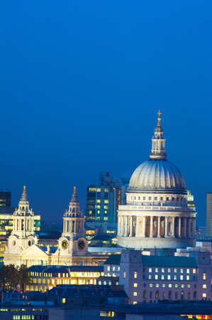 flood area: View of night skyline and St Pauls cathedral, London, UK LANG_EVOIMAGES