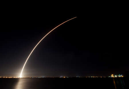 cape canaveral: A Delta 4 rocket launching from Cape Canaveral, Florida. Shot from State Road 520 west of Cocoa Beach, Florida, USA