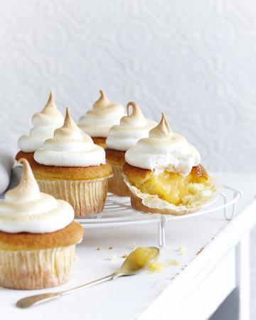 Lemon cupcake meringues