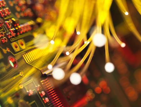Fibre optics carrying data passing a circuit board LANG_EVOIMAGES