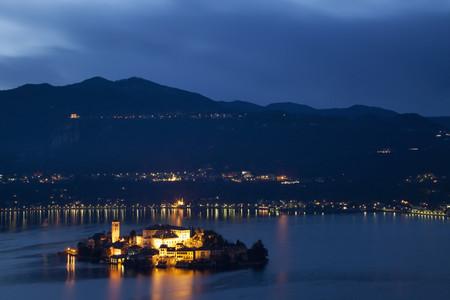 orta: Village on island lit up at night LANG_EVOIMAGES