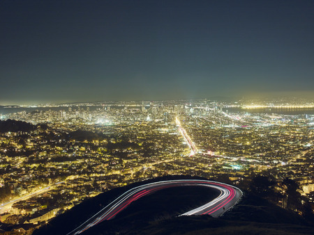 curve road: San Francisco viewed from Twin Peaks, San Francisco, California, USA LANG_EVOIMAGES