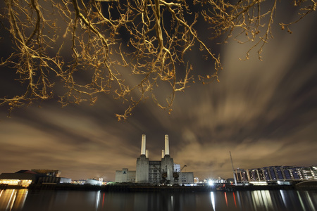 battersea: Battersea Power Station and River Thames LANG_EVOIMAGES