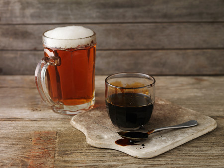 treacle: Still life with a pint of ale and pot of treacle (ingredients for glazed ham) LANG_EVOIMAGES