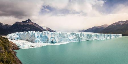Panoramic view of Lake Argentino, Perito Moreno Glacier and mountains in Los Glaciares National Park, Patagonia, Chile LANG_EVOIMAGES
