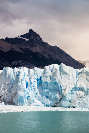 calafate: View of mountain, lake Argentino, and Perito Moreno Glacier in Los Glaciares National Park, Patagonia, Chile