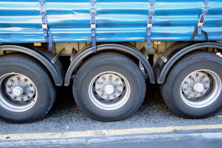 Truck wheels LANG_EVOIMAGES