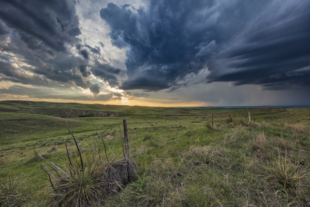 Thunderstorm forms at sunset over rural Ogallala, Nebraska, US LANG_EVOIMAGES