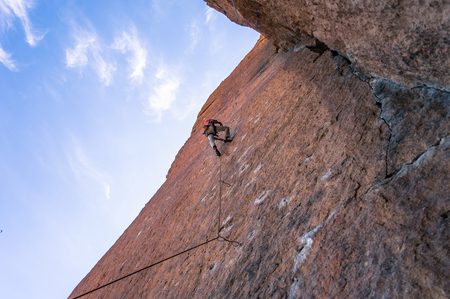 Man rock climbing,Smith Rock State Park,Oregon,USA LANG_EVOIMAGES
