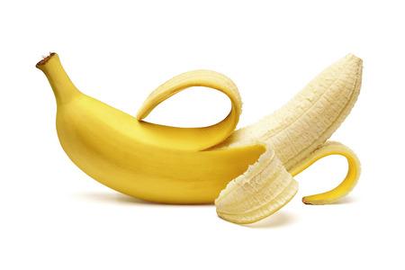 白い背景の上の皮をむかれたバナナ