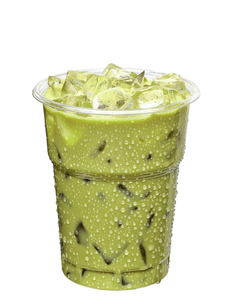 Iced green tea latte in takeaway cup isolated on white background 스톡 콘텐츠