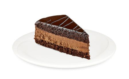 pastel de chocolate: rebanada de pastel del diablo en el fondo blanco