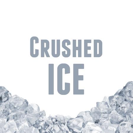 alimentos congelados: la pila del hielo en el fondo blanco