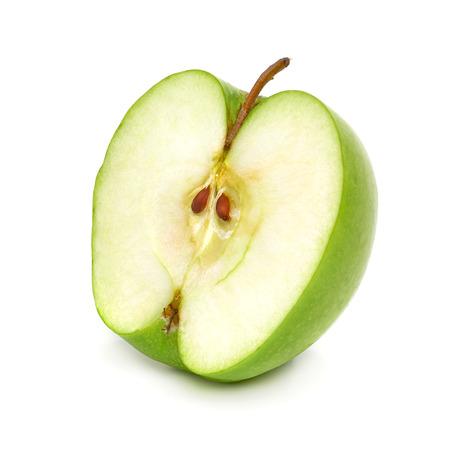 manzana verde: Verde media manzana sobre un fondo blanco