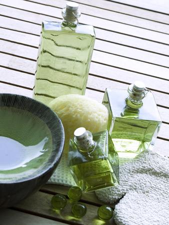 Massage oil essence for welness treatment in the spa Archivio Fotografico