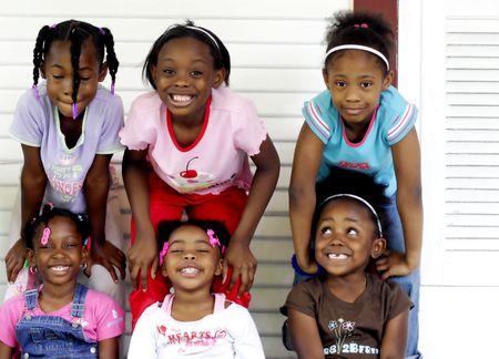Sechs junge M�dchen  Lizenzfreie Bilder