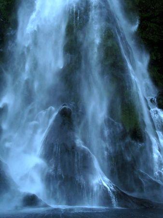 milford: Waterfall - Milford Sound, Te Wahipounamu, New Zealand