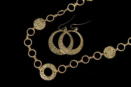 earing: High Class Womens Expensive Necklace & Earing Set