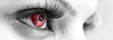 oeil rouge: Red Eye - belle, feminine