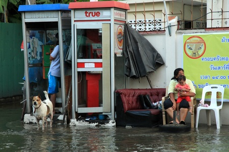 soi: BANGKOK, THAILAND - NOVEMBER 17 : Flooding in Samsen Road after the heaviest rains in 20 years in Thailand on Nov 17, 2011 in Bangkok, Thailand Editorial
