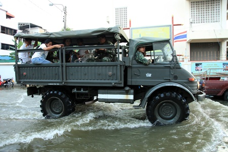 BANGKOK, THAILAND - NOVEMBER 17 : Army to the rescue after the heaviest rains in 20 years in Thailand on Nov 17, 2011 in Bangkok, Thailand Editorial
