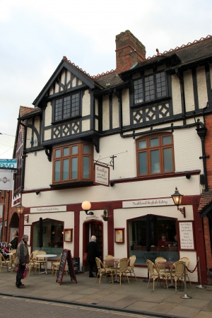 stratford: Stratford Upon Avon - Birthplace of Shakespeare - An authentic coutryside town in England