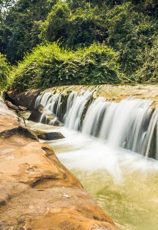 李ファイ滝、サコンナ コーン県、タイ