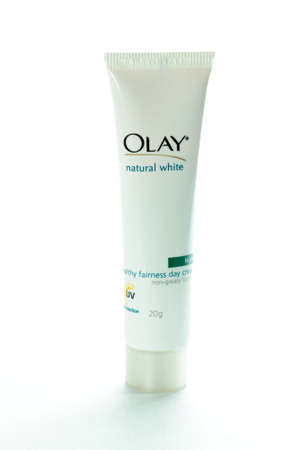 body concern: Olay Natural White day cream tube --- 29, July , 2011 (Delhi, India): Product shot of Olay Natural White day cream tube, 20g. Olay is one of Procter & Gamble