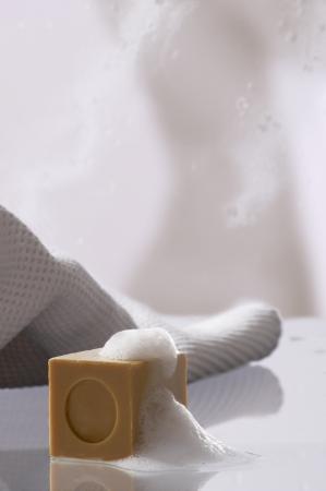 Seife mit Schaum Standard-Bild - 14594208