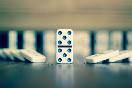 Domino with a cool background. Zdjęcie Seryjne