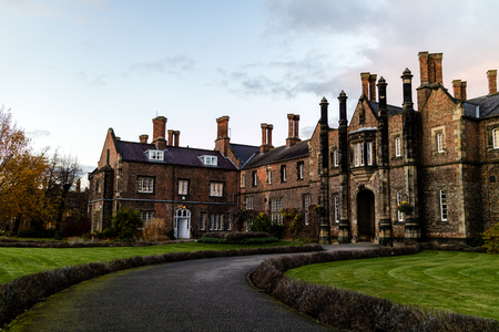York, United Kingdom - 11/18/2017: One of the old building's on the York St. John University campus during the day. 免版税图像 - 110497744