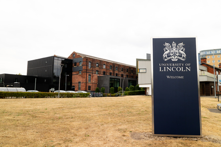 Lincoln, United Kingdom - 07/21/2018:  A welcome sign into the university of Lincoln. 写真素材 - 110498280