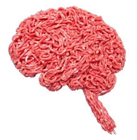 Form eines Gehirns gemacht aus Hackfleisch isoliert auf weiß Standard-Bild