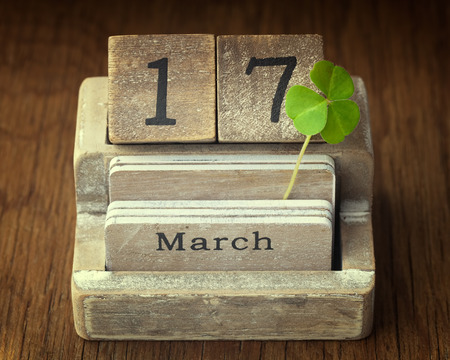 lucky clover: Old vintage calender showing the date 17th of march which is St.Patricks day with a lucky clover