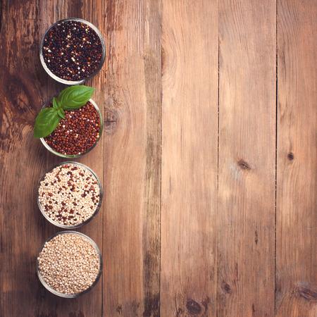 rouge et noir: Blanc, rouge, noir et mixte grain de quinoa premi�res