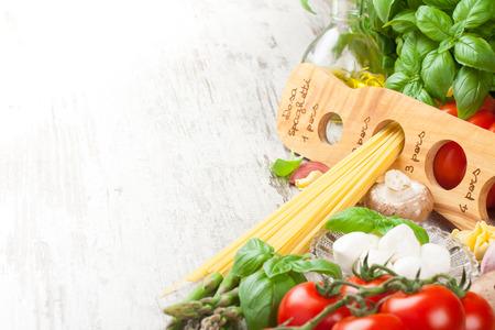 Fondo de comida italiana Foto de archivo - 40540428