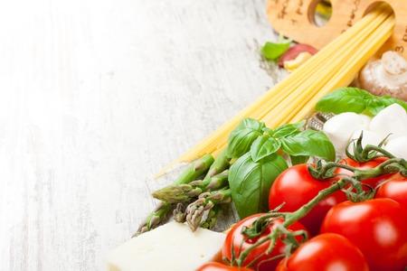 Fondo de comida italiana Foto de archivo - 40675026