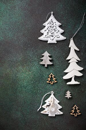Festive background with assorted christmas tree Foto de archivo - 134472919
