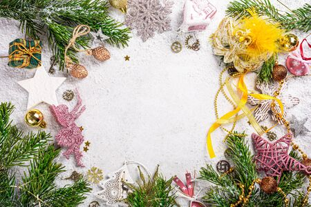 Festive background with wooden christmas tree Foto de archivo - 134473046