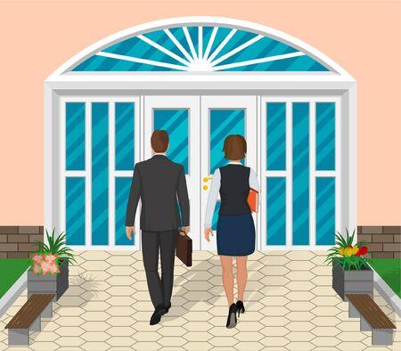 Dos personas entran por las puertas del edificio. Un hombre de negocios y una mujer de negocios van a trabajar. Elementos de diseño. Ilustración de vector en un estilo plano moderno. Ilustración de vector