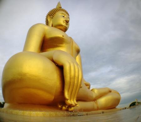 Biggest golden buddha in thailand Stock Photo - 22746614
