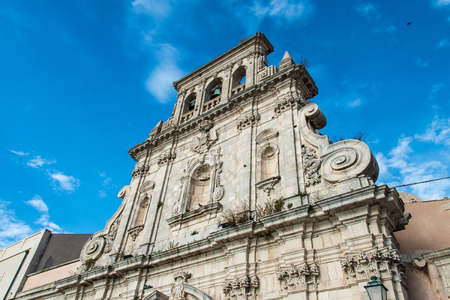 ortigia: Abandoned building from the imposing façade on the seafront of Ortigia, Siracusa, Sicily, Italy Stock Photo