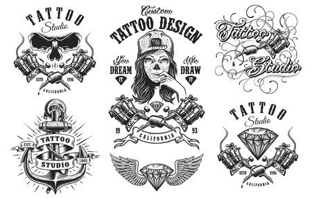 Reeks uitstekende zwart-witte tatoegeringemblemen, kentekens, etiketten en emblemen. geïsoleerd op witte achtergrond. gelaagde Vector Illustratie