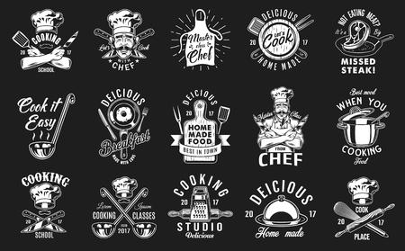 Set di cucina emblema su sfondo nero. Illustrazione vettoriale.