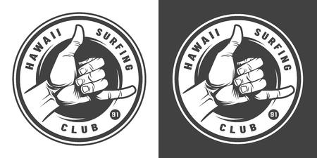 Emblema redondo monocromo de surf vintage con signo de mano shaka aislado ilustración vectorial