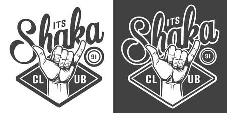 Logotipo monocromático del club de surf de la vendimia con la mano de la persona que practica surf que muestra el ejemplo aislado del vector del signo de shaka