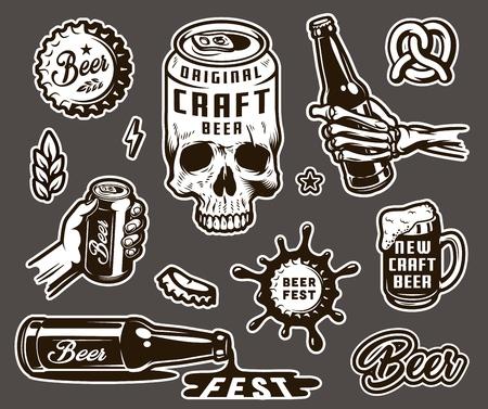 Collezione di elementi monocromatici di birra vintage con lattina di birra a forma di berretto di grano orecchio pretzel tazza scheletro e mani maschili che tengono bottiglia e può illustrazione vettoriale isolato
