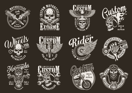 Impresiones de motocicletas monocromáticas vintage con piezas de motocicleta, motorista y motociclista, calaveras, casco de moto ardiente de águila y rueda alada, ilustración vectorial aislada