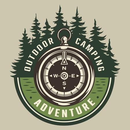 ビンテージ夏の冒険のラウンドエンブレム、ナビゲーションコンパスと森林景観孤立したベクターイラスト