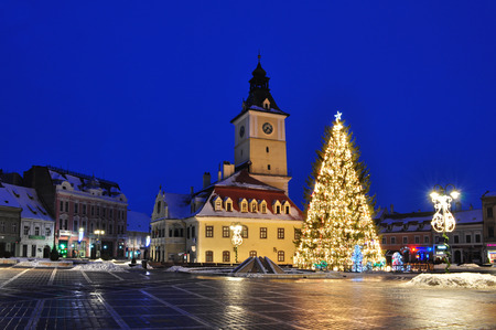 brasov: Brasov Town Hall with christmas tree, Transyvania, Brasov, Romania  Stock Photo